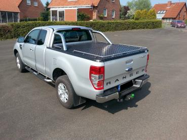 Preview: Laderaumabdeckung aus Alu-Riffelblech inkl. 22 mm Edelstahlreling für Ford Ranger Limited, Xtra-Cab, Modell 2019